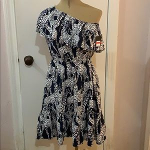CROWN & IVY ONE SHOULDER DRESS W/GIRAFFES XS